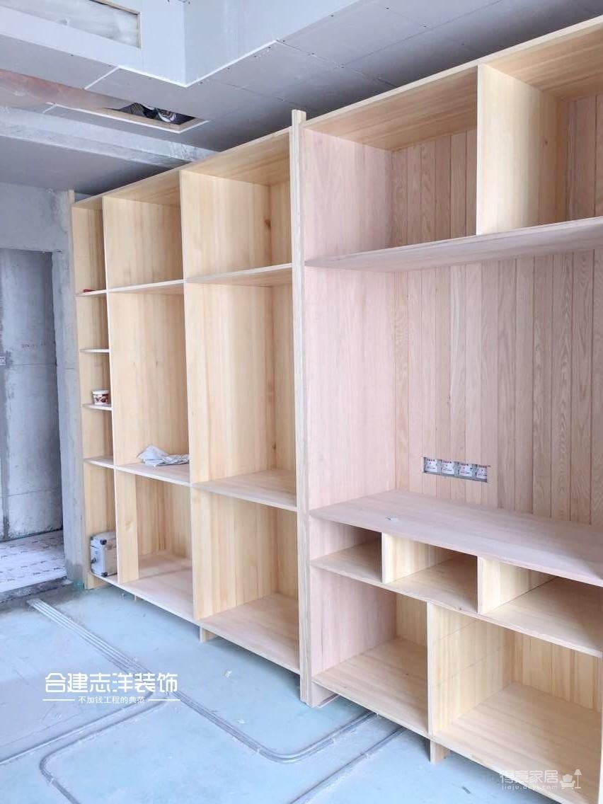 吊顶和打柜子现场施工照片装修效果图_得意家居装修