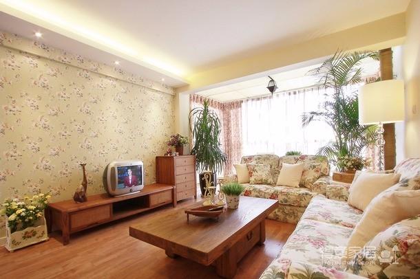 选择浅色木地板搭配象牙白韩式家具