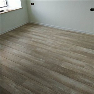 家里有老人难道不是木地板比较好吗,大家看看我选的木地板怎样