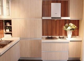 E0级多层实木柜体爱格橱柜