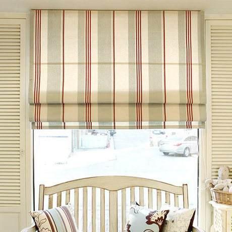 窗户比较小,安装厚质面料的落地窗帘,会产生笨重,累赘的视觉效果.